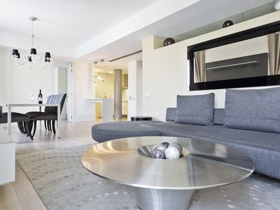 Photo for Luxury 2 bedroom apartment on Paseo de Gracia
