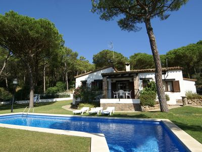 Photo for Beautiful, situated in the green villa with private pool near Begur