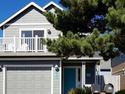 Photo for Bright home w/ balcony & partial ocean view - 2 blocks to the water & Nye Beach!