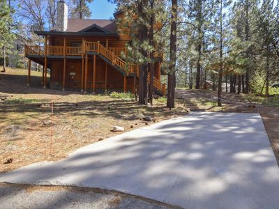 Photo for Hunters Lodge: Walk to Snow Summit! Huge Lot on a Cul-de-sac for Sledding! Spa! Pool Table!
