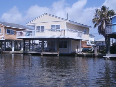 Photo for Crabbin Cabin: Jamaica Beach on canal, hot tub, fishing lights. FREE activities!