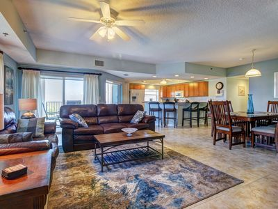 Photo for Spacious getaway w/ private balcony & shared pool/hot tub amenities!