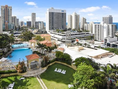 Photo for 2 Bedroom Unit 10th floor Central to Surfers! 3104