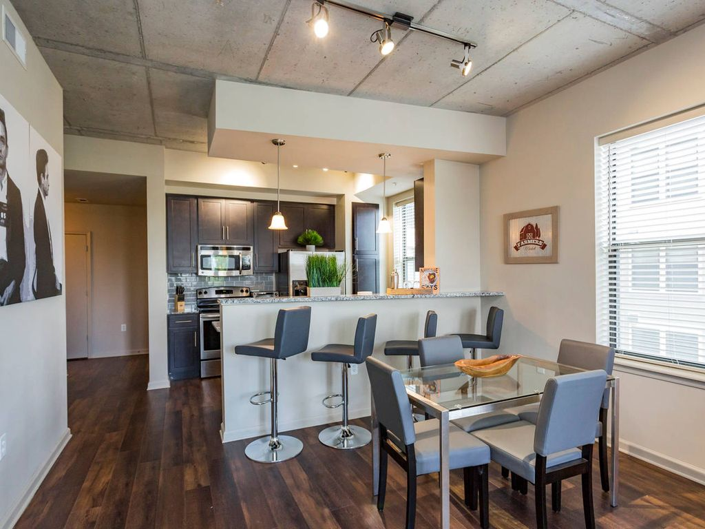 Upgrade Your Nashville Experience | Luxury Location - Two Bedroom Apartment, Sleeps 6