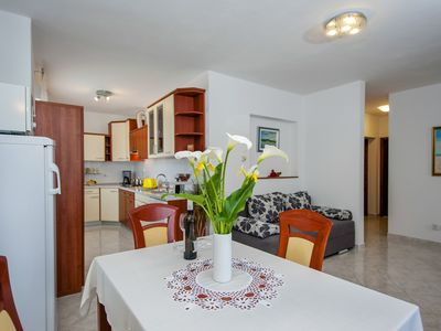 Photo for Apartment Sandra (A4+1) excellent position with private parking