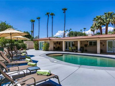 Photo for Look no further for that perfect desert retreat with friends and family!