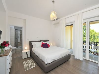 Photo for Bright flat w/Terrace between Trastevere/Testaccio