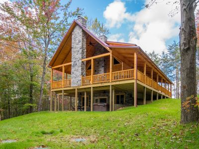 Photo for Upscale 4 bedroom pet friendly lodge with shared pond close to Cantwell Cliffs