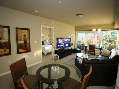 Photo for 100 Walkscore Broadway Apartments 2BR/2BA 7 - Two Bedroom Apartment, Sleeps 5