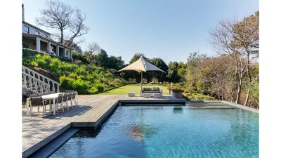 Photo for Luxurious 4 bedroom ensuite in Constantia