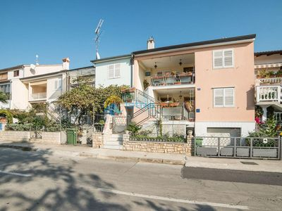 Photo for Apartment 804/1870 (Istria - Porec), Family holiday, 300m from the beach