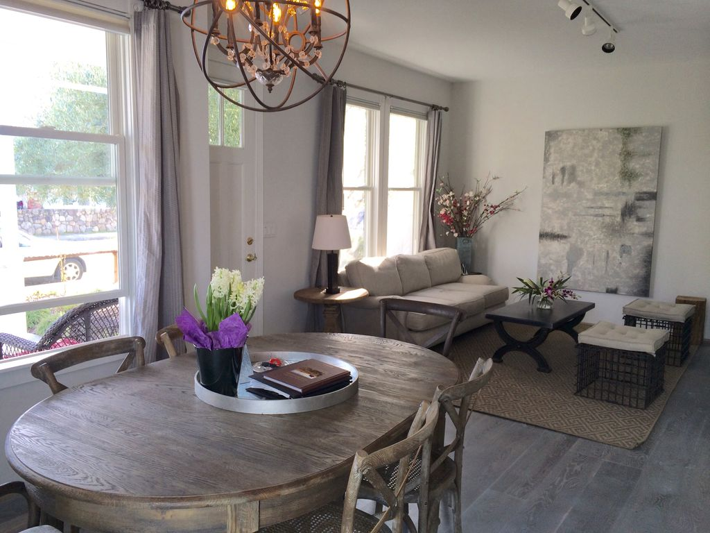 Open Sept Block To Downtown St He VRBO - Open table st helena