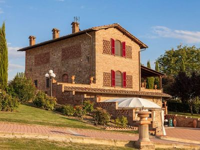 Photo for Luxury villa with private pool, air conditioning and Wi-Fi, situated walking distance to Pozzo della