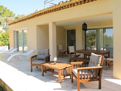 Photo for 3 bedroom Villa, sleeps 6 in Saint-Cyr-sur-Mer with Pool, Air Con and WiFi