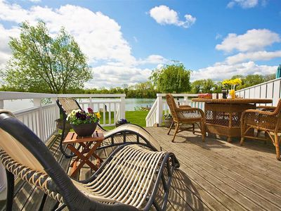 Photo for From £18 pppn. Stylish New England lakeside retreat in the Cotswold Water Park