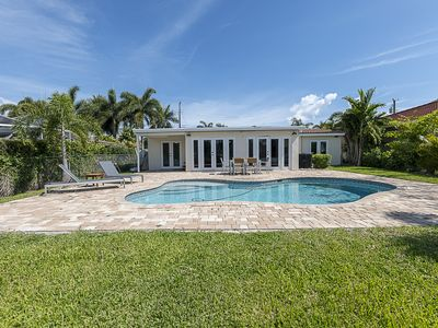 Photo for Luxury 5BR Home Great Location 5 Min from Beach *New Listing*
