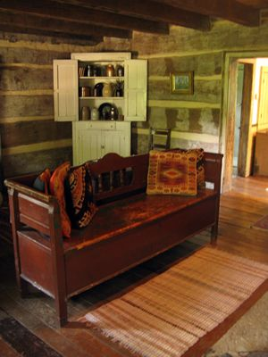 Historic Cabin On 150 Acre Farm In Amish Country