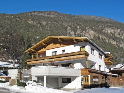 Photo for Apartment Haus KLAUSNHOF  in Mils bei Imst, Pitz Valley / Pitztal - 4 persons, 2 bedrooms