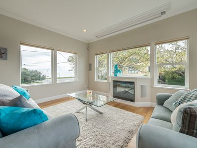Photo for BEST LOCATION Stunning Ocean and Mountain Views!