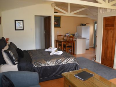 Photo for SPACIOUS, COSY FULLY SELF-CONT UNIT - near Redwoods
