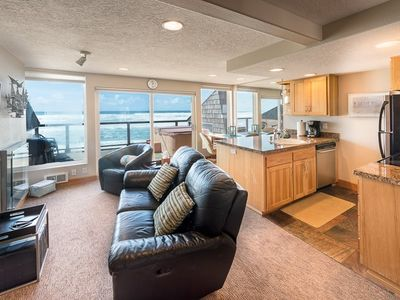 Photo for Only $130/Night** - Beachfront Studio W/ Hot Tub, OnSite Beach Access, Fireplace