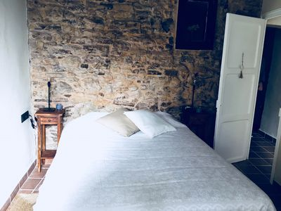 Photo for El Baluard - Warm apartment in the old town of Cardona