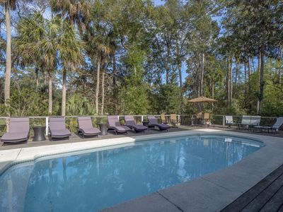 Exceptional Lowcountry Home Sleeps 12! Private Pool!  Great Location!