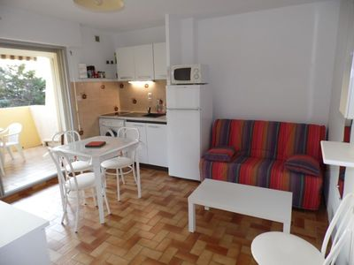 Photo for Pleasant 2 rooms close to the beach