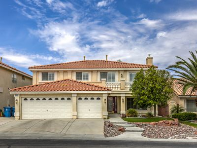 Photo for 5 Bedroom Home w/ Heated Salt Water Pool & Spa!! CC
