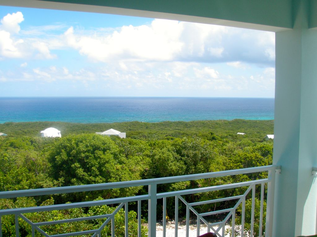 Cloudbreak bahamas villa the highest ocean vrbo view of the atlantic from upstairs front porch falaconquin