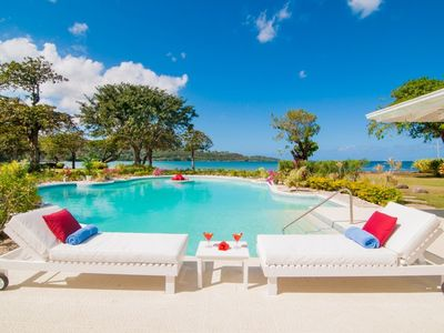 NOBLE HOUSE JAMAICA - Luxury 5 Bed Beachfront Villa in Montego Bay - Staff Included