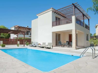 Photo for Contemporary villa, enclosed by hedgerows, w/ terrace, pool + BBQ