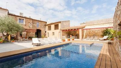 Photo for 2 bedroom Apartment, sleeps 4 in Pals with Pool and Air Con