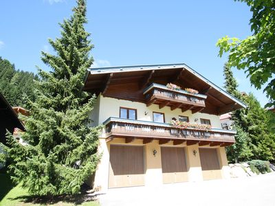 Photo for Apartment on top location next to the ski lift. with hotel facilities