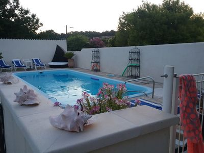 Photo for Villa with pool in a quiet area 1 km from the city center of orange.