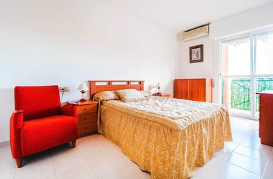 Photo for 1BR Apartment Vacation Rental in Torrevieja, Comunidad Valenciana