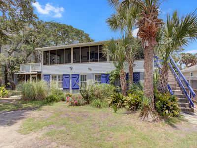 Photo for Across the street from the beach! Fabulous screened porch with ocean views
