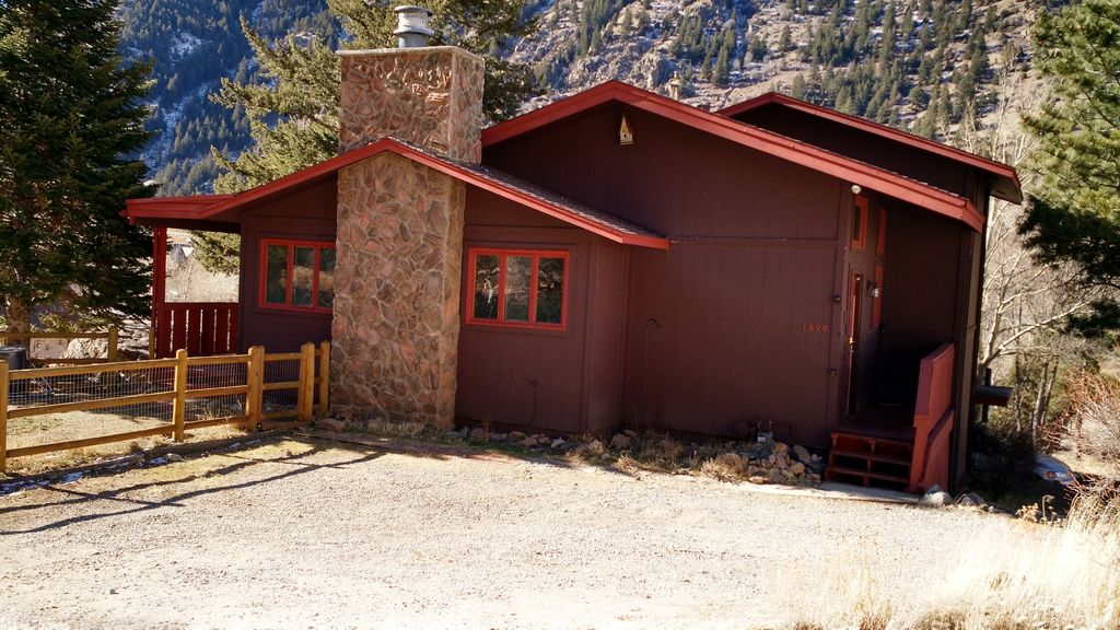agreatertown colorado in rental friendly cabin ouray co pet for vacation cabins photo