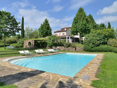 Photo for Entire private villa with swimming pool near Florence