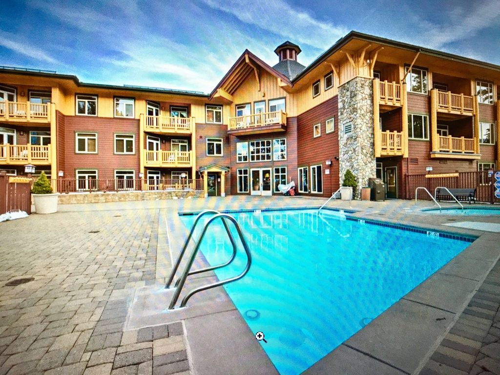 Stay Slopeside 5 Star Luxury Ski In Out Stay Three Get One Free This Week Mammoth Lakes High