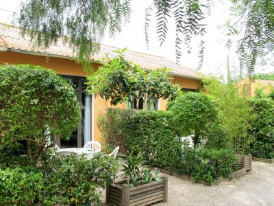 Photo for One bedroom Villa, sleeps 5 in Hyères with Air Con and WiFi