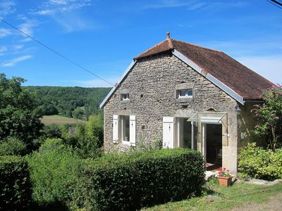 Photo for Pretty cottage with stylish interiors, quiet garden & lovely views