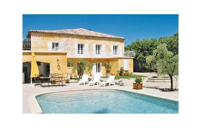 Photo for 6 bedroom accommodation in L'Isle sur la Sorgue
