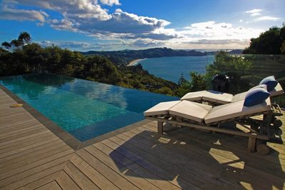 Stunning infinity pool looking out to Onetangi Beach and the Pacific Ocean