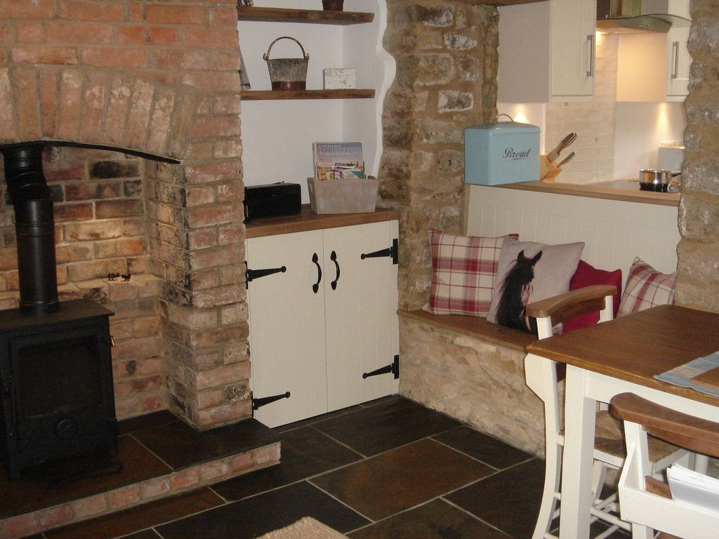 cotswolds holiday cottage romantic cottage with period features