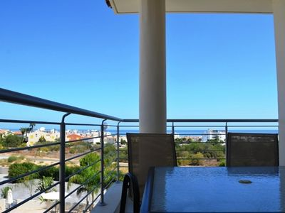 Photo for Two bed apartment with sea views and pool views
