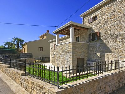 Photo for Villa with swimming pool and jacuzzi, green surroundings and beautiful views