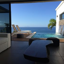 NO HURRICANE DAMAGE luxury 2 bedrooms private pool breathtaking view