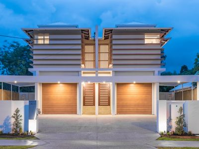 Photo for BRAND NEW LUXURY ON GYMPIE TERRACE Noosaville