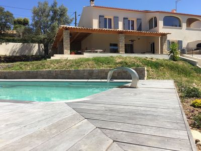 Photo for Large villa with heated pool, 5 minutes from beaches